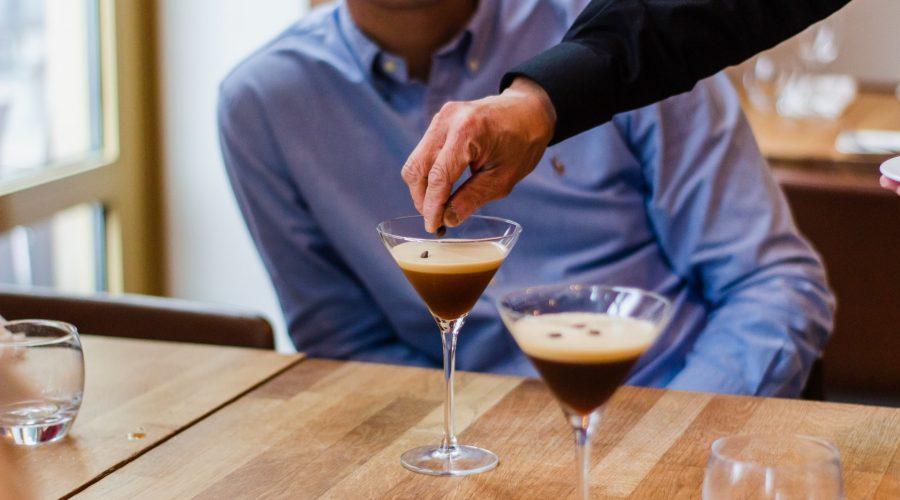 Kaffee-Cocktails: Vielfältiger Genuss mit und ohne Alkohol